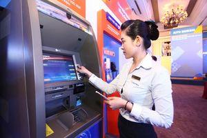 NHNN yêu cầu giảm phí giao dịch trên ATM, POS, chuyển khoản liên ngân hàng từ 1/8