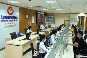 Một ngân hàng đã tăng chi cho nhân viên 20% trong nửa đầu năm nay