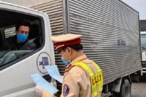 Video: Hàng trăm ôtô, xe máy phải quay đầu không được vào Bắc Ninh